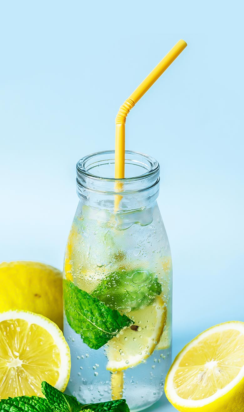 diet2-single-portfolio-water-with-straw